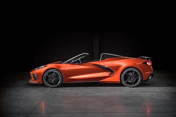 Рекорд продаж Tesla и эксклюзивный Aston Martin DBS GT Zagato