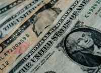 На KASE доллар приближается к отметке 390 тенге